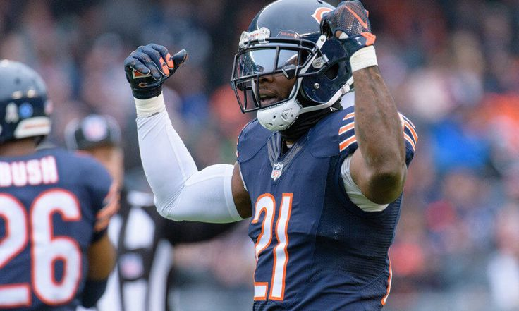"Bears officially waive Tracy Porter = According to an official statement released by the franchise on Monday morning, the Chicago Bears have waived veteran defensive back Tracy Porter. Porter notably spent the last two seasons in the ""Windy City"" as a member of the Bears' defensive secondary. However, upon being waived on Monday morning, it now appears….."