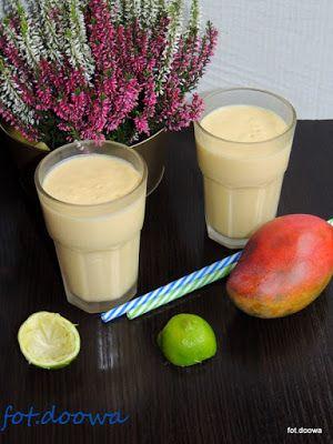 Moje Małe Czarowanie: Mango lassi sezamowe z limonką