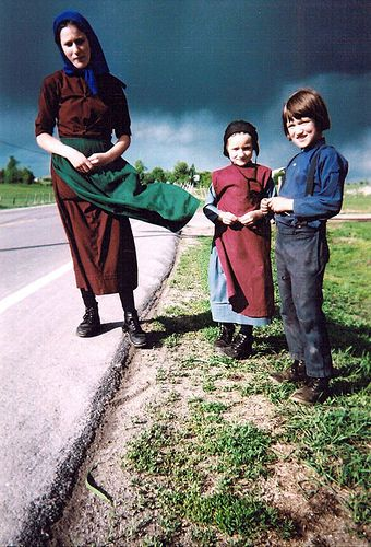 Amish Mom and children