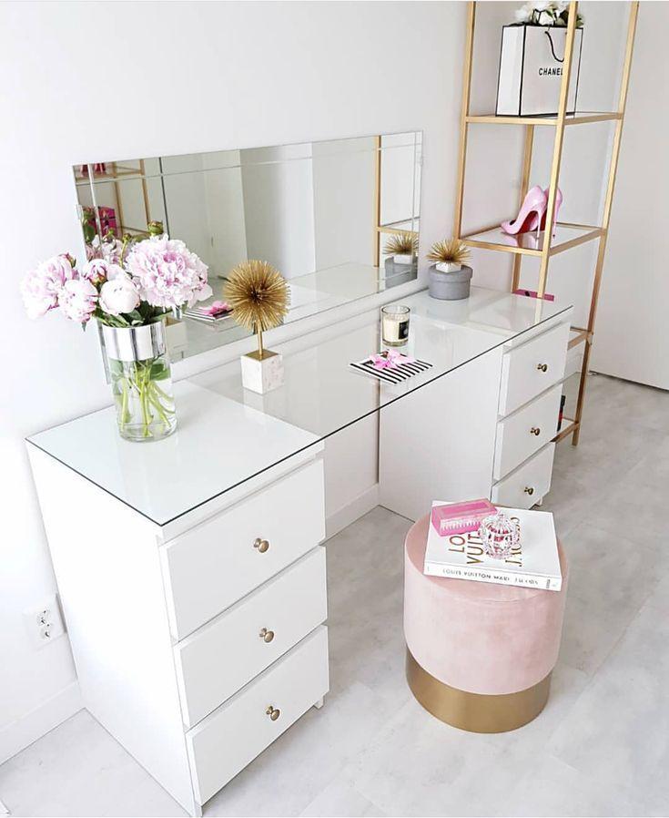 @hayelimm_ make-up tisch sehr viel .. einfache und stilvolle gold details