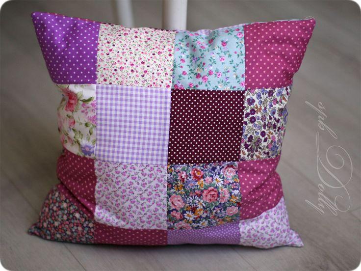 Купить Лоскутная подушка для детской комнаты - комбинированный, подушка, подушечка, лоскутная подушка, лоскутное шитье