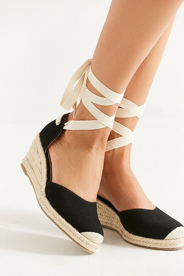 1a10d635979 Slide View  3  UO Espadrille Lace-Up Wedge Sandal