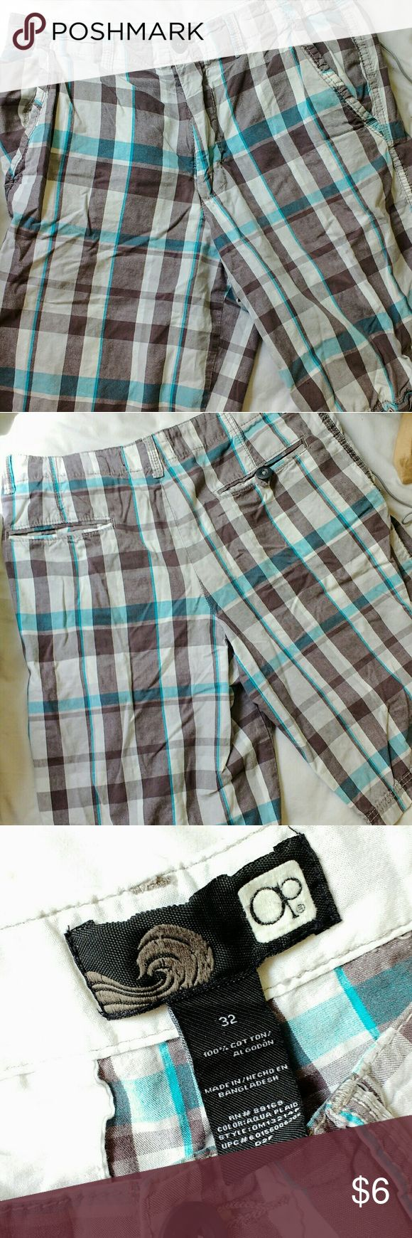 Men's Plaid Shorts Gently used plaid shorts. These could use an ironing, and I think the color is a little faded, but overall good condition! No holes, stains, tears. OP Shorts Cargo