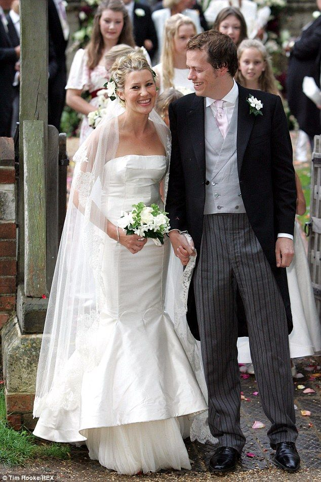 Wedding style Sara married Tom back in 2005 in a dress