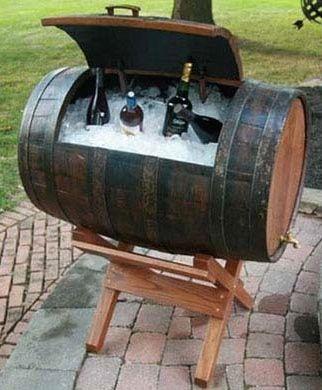 ゝ。Wine Barrel Ice Chest