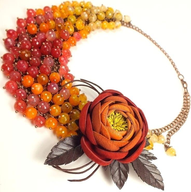 Купить Пламенный Этюд. Колье и брошь - цветок из натуральной кожи - ярко-красный, рыжий, оранжевый