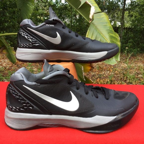 NIKE VOLLEYBALL HYPERSPIKE black/silver w9.5 eu41 Clean . Uppers/soles show minimal wear . Some wear/holes around the ankle pad Nike Shoes