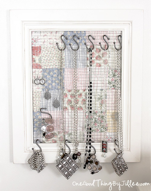 This is brilliant! I racked my brain last year trying to think of something like this!  DIY Jewelry Organizer/Wall Decor