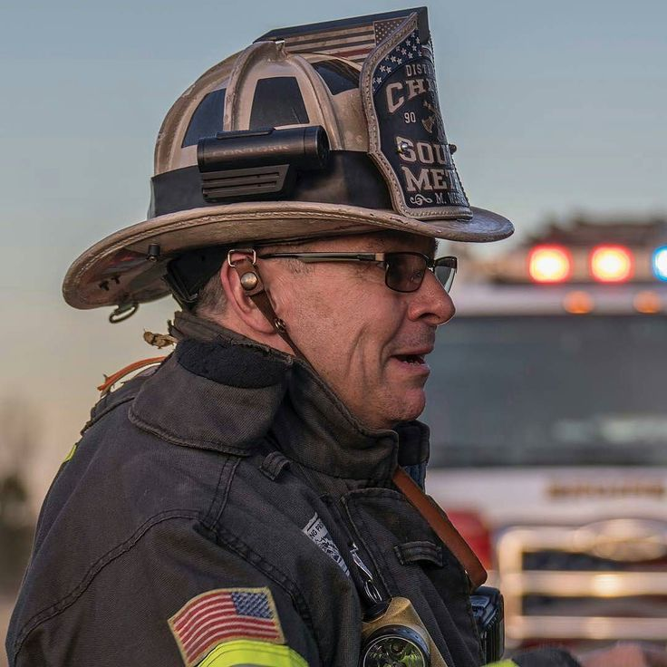 FEATURED POST @southmetropio - District Chief Mike West conducts a tailboard after action review with his crews after a house fire on February 12 2017. --- ___Want to be featured? _____ Use #chiefmiller in your post ... http://ift.tt/2aftxS9 . CHECK OUT! Facebook- chiefmiller1 Periscope -chief_miller Tumblr- chief-miller Twitter - chief_miller YouTube- chief miller . #firetruck #firedepartment #fireman #firefighters #ems #kcco #brotherhood #firefighting #paramedic #firehouse #rescue…