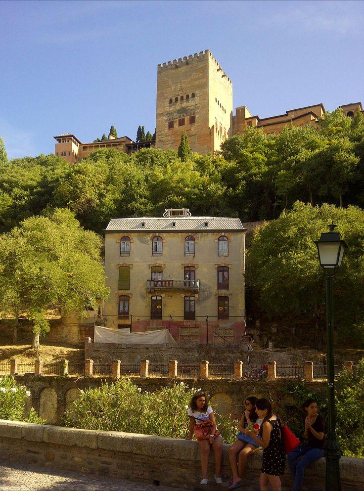Vistas de la Alhambra de Granada.  #alhambra #granada #granadatours #andaluciatours #andalusiaguidedtours #privatetours