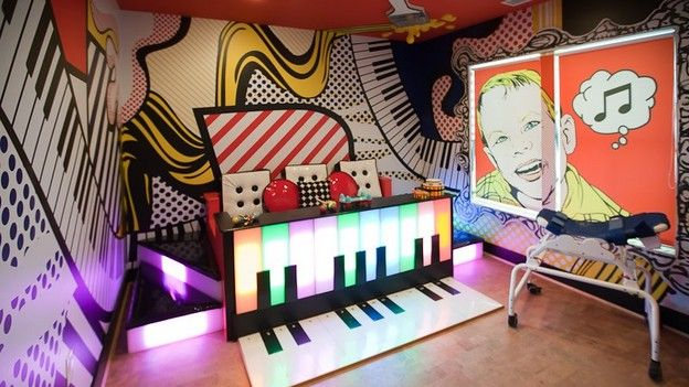 Extreme makeover home edition simpson family piano for Extreme makeover bedroom ideas