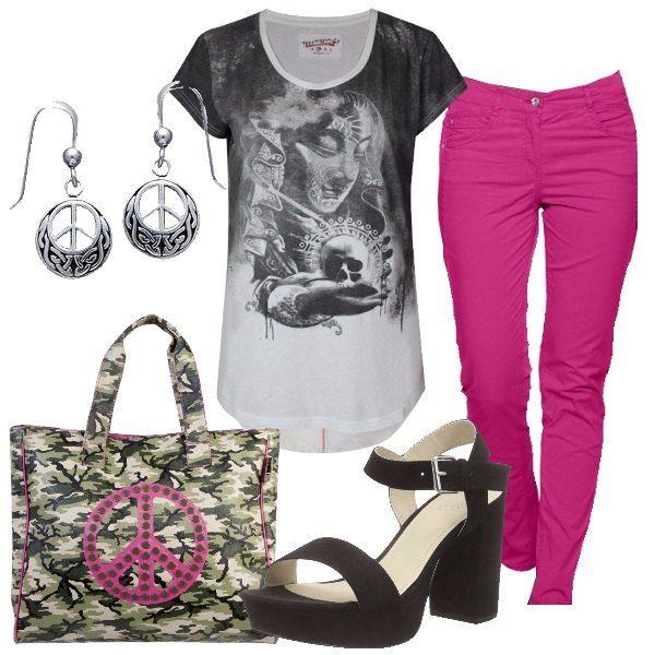 Simboli della pace per un look comodo e pratico che ispira relax e calma. Per la scuola/università o per la quotidianità di ogni giorno. Pantalone hot pink abbinato alla t-shirt con stampa.