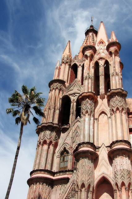 Next destination in Mexico we must see is San Miguel de Allende, Guanajuato. #travelingTOMS