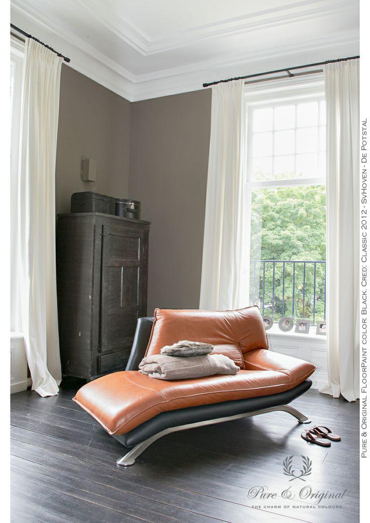 Pure & Original Floor Paint color: Black. Cred. Classic 2012 - SvHoven - de Potstal. More information and colors at our site. www.pure-original.com