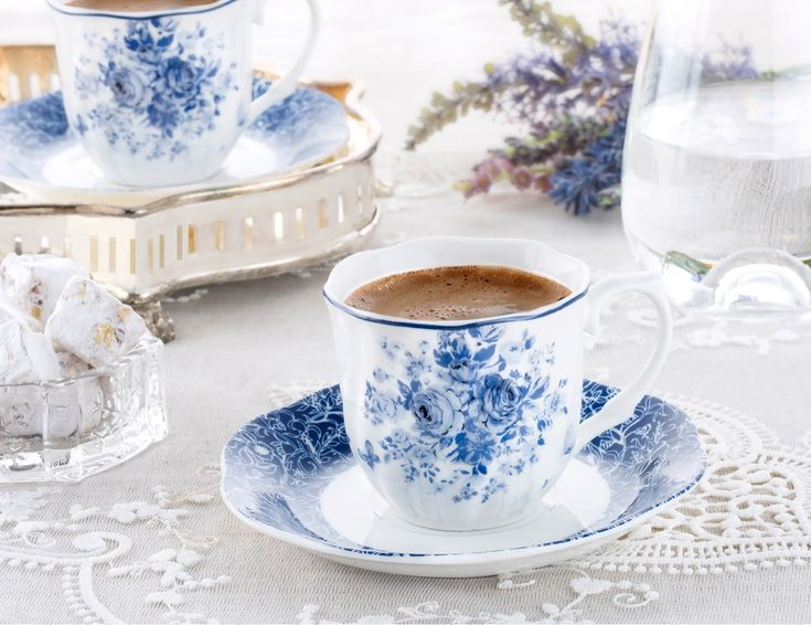 Günaydın :) Ruhunuzu dinlendireceğiniz bir Pazar günü olması dileğiyle… www.madamecoco.com