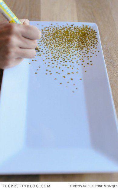 Heel veel goudenpuntjes met porseleinstift