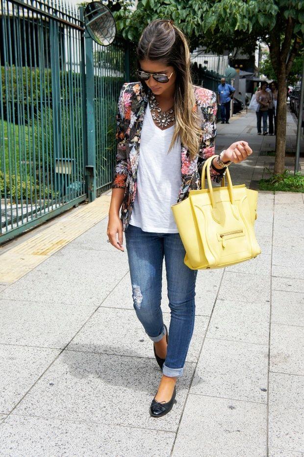 Blazer – Zara ( Lojinha Online ) | T-shirt – Forever 21 | Jeans ... Yellow bag, print blazer, denim, white tee.