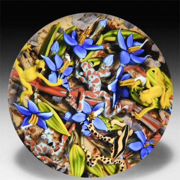 Clinton Smith 2014 frolicking frogs paperweight. by Clinton Smith: