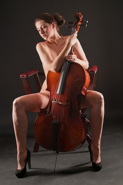 Manspreading 1b78016319a8a7698914f6f5ea0376c4--inspiring-photography-cello