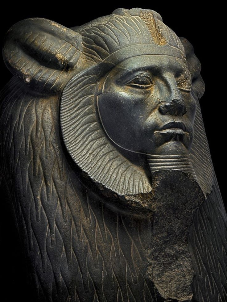 pharaoh and sphinxes Sphinxes are powerful, regal creatures, but their exact appearance varies from region to region in greece,  the chimeras are usually male and resemble a god or pharaoh, complete with the traditional pharaoh's headpiece.