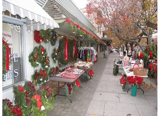 Looks like Christmas in Ocean Grove, NJ. Thanks Diane Glander of Diane Turton, Realtors.