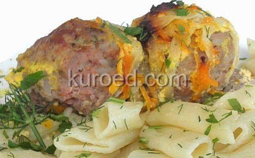 Шведские тефтели из свинины и говядины с грибами, луком, морковью и макаронами