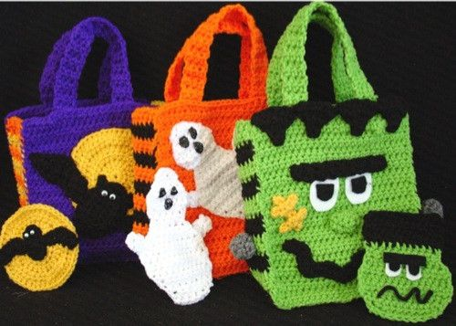 "Watch Maggie review these Halloween Bags! Design By: Donna Collinsworth Skill Level: Easy Size: Halloween Bag: Finished size approx. 9"" tall by about 8"" wide. Money Pouch: Finished size between 4½"" an"