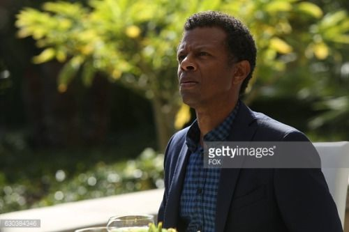 LUCIFER: Guest star Phil LaMarr in the Weaponizer episode of... #laampolla: LUCIFER: Guest star Phil LaMarr in the Weaponizer… #laampolla