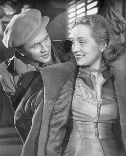 Hannes Häyrinen and Ritva Arvelo in Radio Tekee Murron (1951)