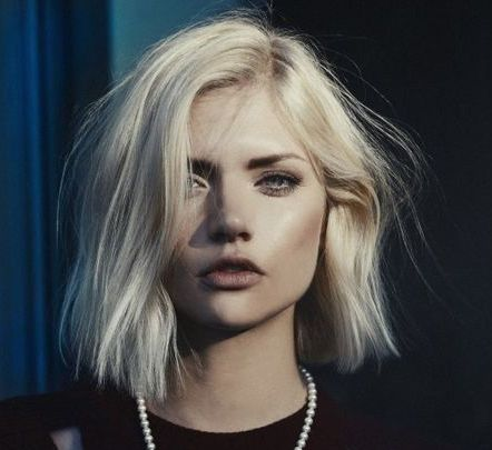 The ultimate cool girl look of the season is the short blunt bob. We saw  most of 2014 inundated with the traditional lobs (long bobs), but as we  head into the new year it's all about simple deconstructed shapes. Here are  some tips on achieving the look;  ·         Layers are out  In the 90's, the 'Rachel' hair (Jennifer Aniston's layered locks) was all  the talk, but we're now veering away from the traditional cut and focusing  on a fuller and more natural look. Skip the layers at your…