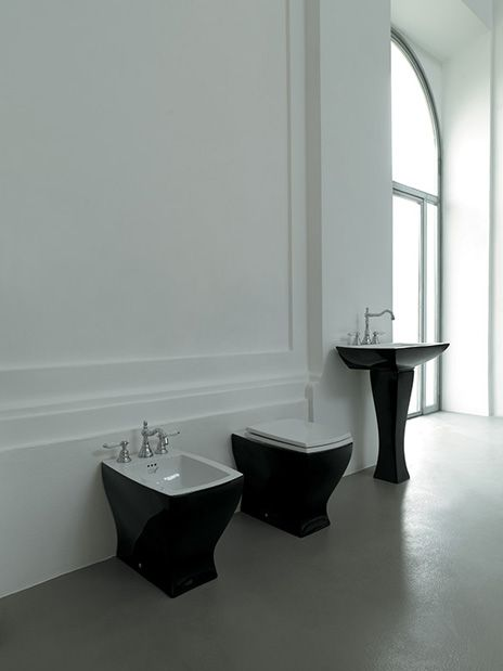 Jazz, design Meneghello Paolelli Associati. Lavabo colonna e sanitari / Pedestal washbasin and sanitary ware. # washbasin #bagno #design #bathroom #lavabo #artceram