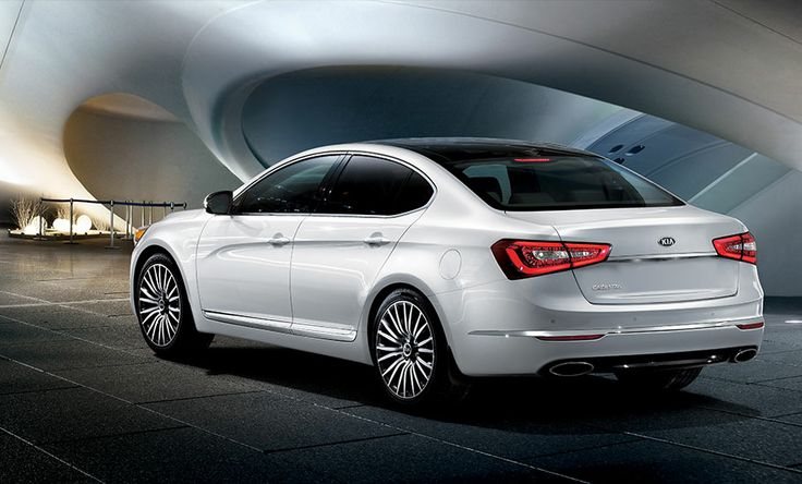 Kia Cadenza Premium Luxury Car in Snow White Pearl