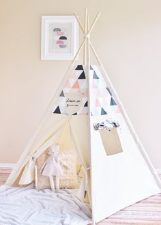 Rose & Peach Triangles ombragés toile Tipi tipi par AshleyGabby