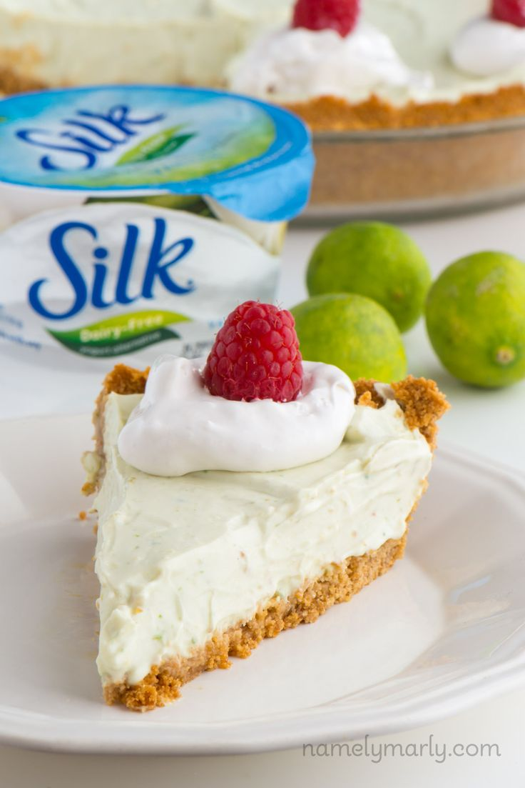 We are in love with this easy Vegan Key Lime Pie recipe! It's so incredible, you may want to make TWO. #DoPlants