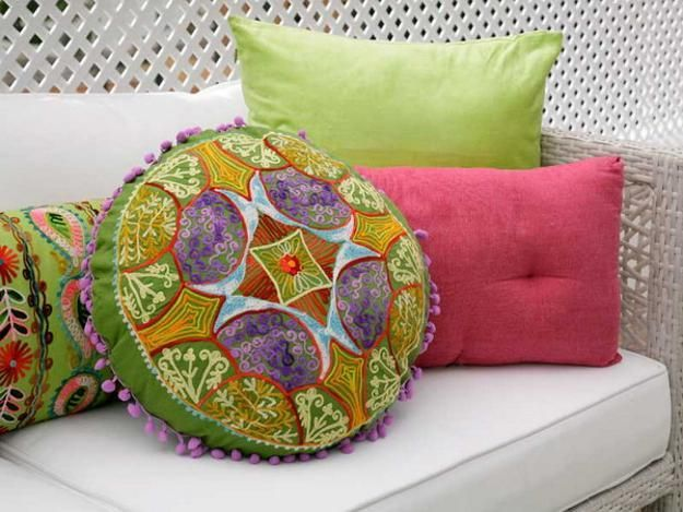 outdoor home decor accessories in pink and green colors