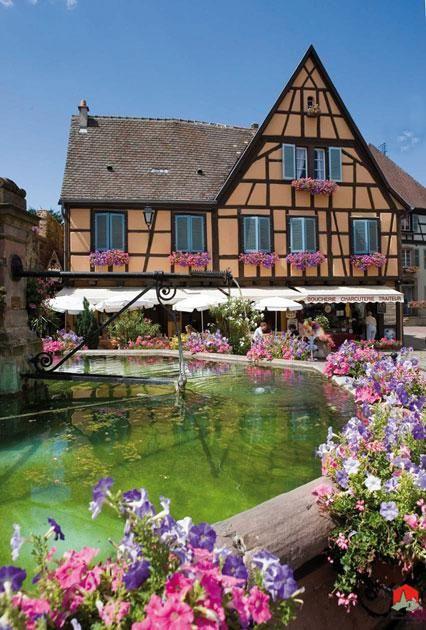 Eguisheim - Alsace France. Un des plus beaux villages de France. Un patrimoine superbe à ne pas rater