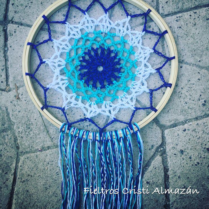 Mandala a crochet!  Talleres de fieltro, telar, mosaico y crochet todos los jueves y sábados del año!