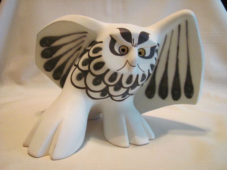 Strawberry Hill Pottery Canada large Owl !!! | eBay
