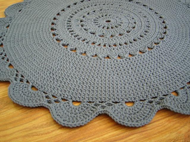 dywanik szydełkowy okrągły folk