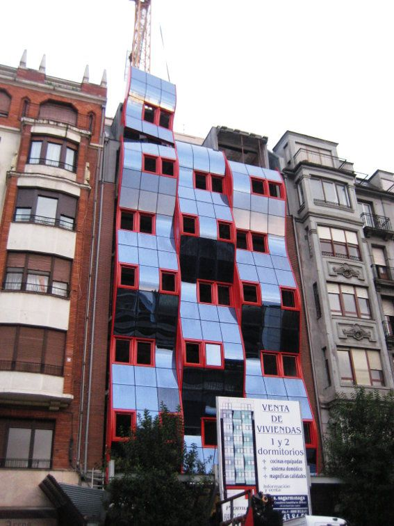 Montaje en Obra. Fachada modular para la construcción de 12 viviendas en la calle Hurtado Amezaga