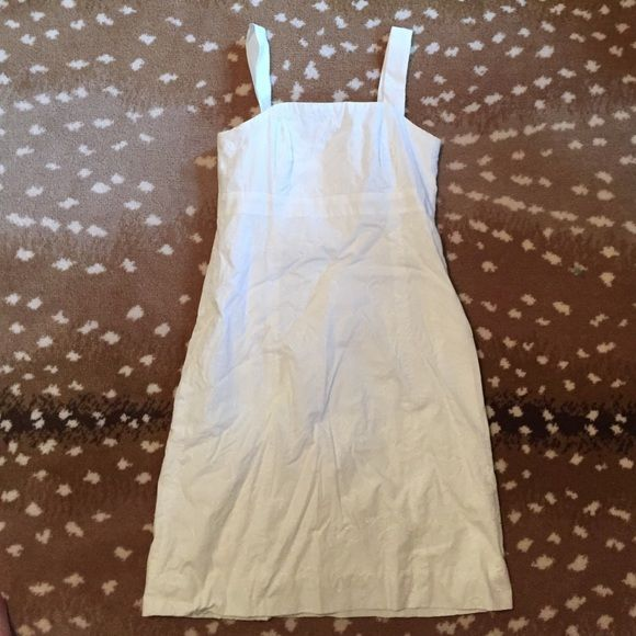 Lilly Pulitzer White Dress Super cute! No signs of wear ... Please buy Lilly Pulitzer Dresses