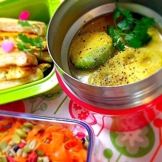 お弁当に豆乳カレースープ スパイシーで温まります〜  OMさん、ありがとうございます✨ レンコン大好きなのと、写真の印象がずっと残っていて、作りたかったお料理。 美味しいです〜  季節の芽キャベツを加えてみました - 186件のもぐもぐ - OMさんのお料理:蓮根の豆乳・カレースープ〜芽キャベツを入れて by angiee2014
