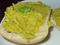 Zielona Chrupalnia : limonkowo-mietowa pasta z zielonego groszku