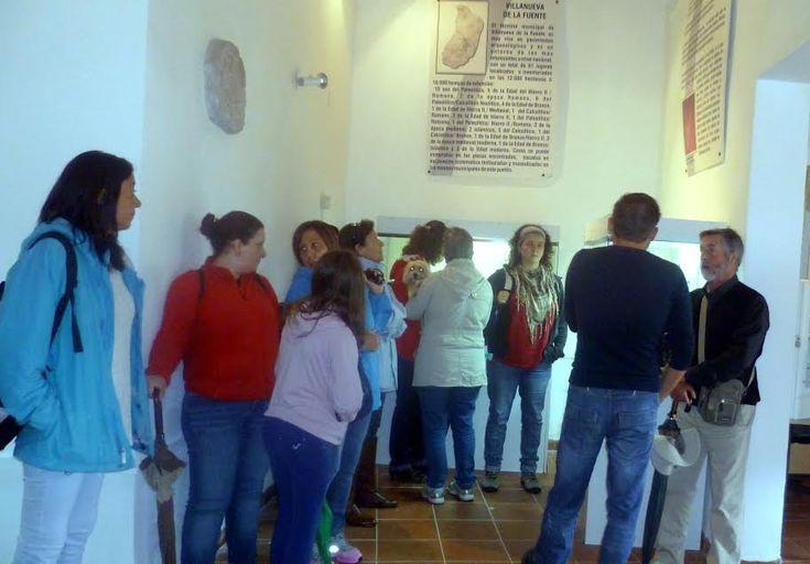 """En """"Campo de Montiel Abierto"""", las visitas a los museos y yacimientos arqueológicos registraron un público numeroso, pese a la lluvia - Provincia - Noticias de Valdepeñas - Ciudad Real"""