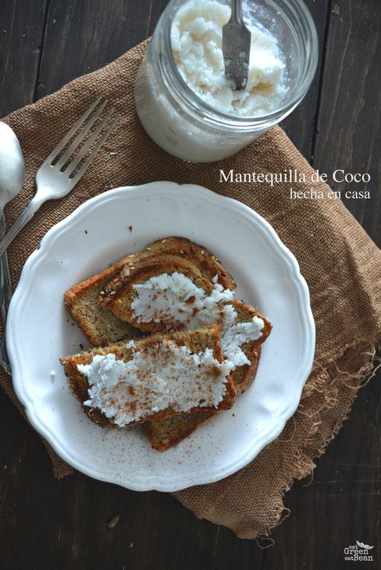 MANTEQUILLA DE COCO HECHA EN CASA Muy simple de hacer, sólo 1 ingrediente y la pueden usar en muchas recetas para espesar y dar sabor!!  La pueden sustituir como mantequilla en algunos pasteles y galletas!! Agrega nutrientes, grasa buena y fibra!!!