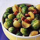 Een heerlijk recept: Gesmoorde spruitjes met sjalotjes en spekjes