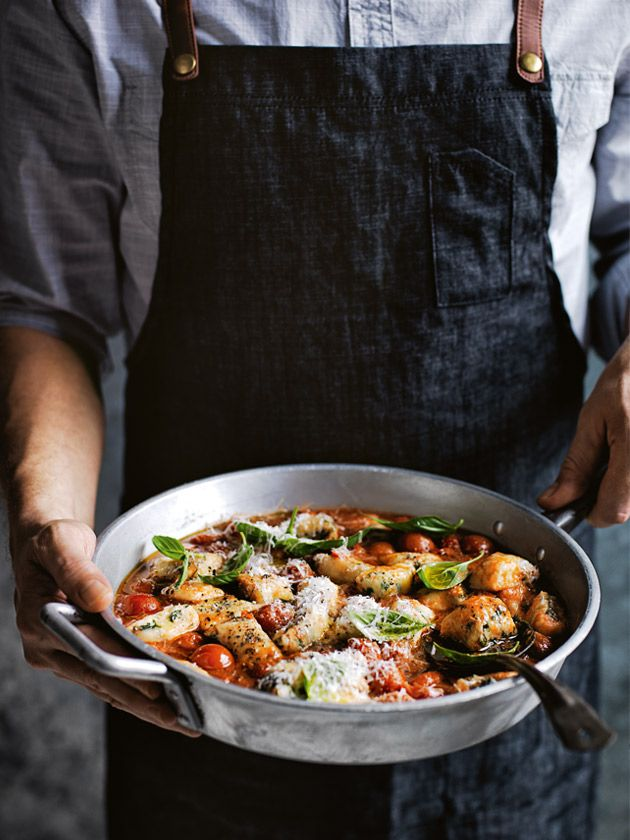 roasted kale and cheese gnocchi with chilli tomato sauce: