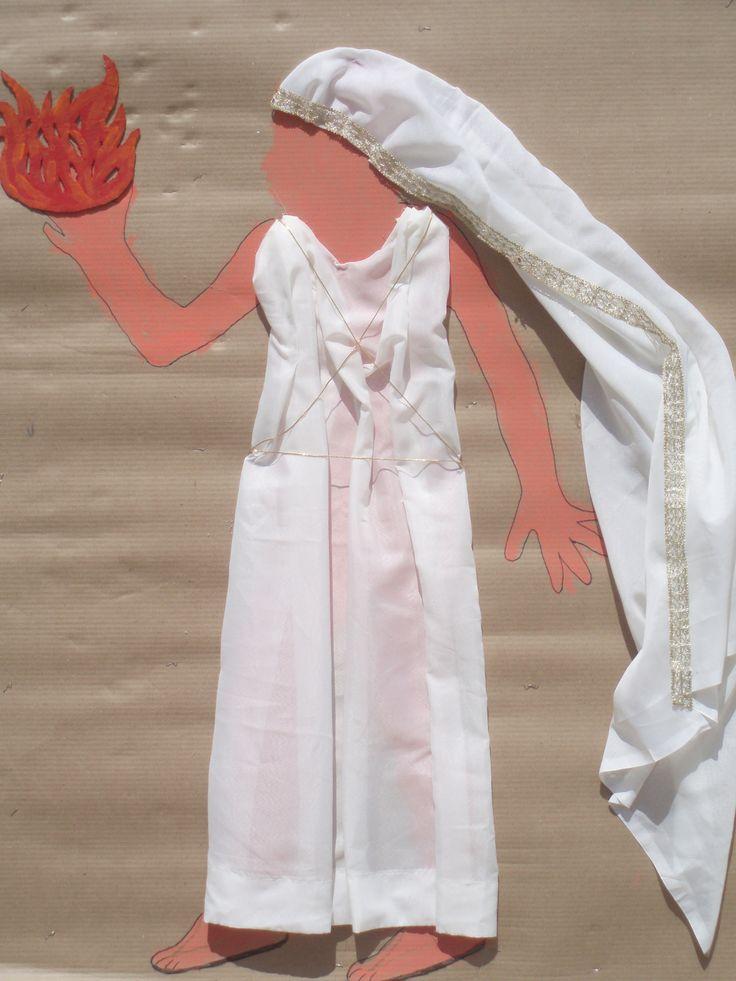 η Εστία (πάνω σε χαρτί του μέτρου αποτύπωμα σώμα παιδιού) από Μένια Παπουτσή