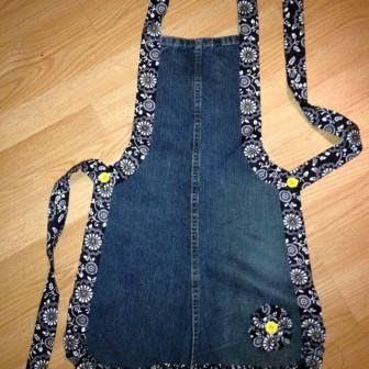Elle transforme ses vieux jeans en de sexy et jolis tabliers! - 3                                                                                                                                                      Plus