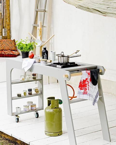 DIY mobile outside kitchen